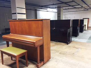 ピアノの搬入が完了しました!